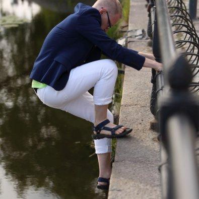 Arbetsglädje på djupet - Tomas Eriksson klättar brant nedåt