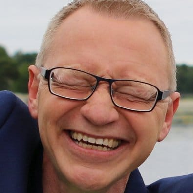 Arbetsglädje som kittlar - Tomas Eriksson kniper ihop ögonen