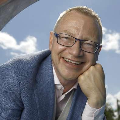 Föreläsaren Tomas Eriksson i närbild - boka Tomas för ett föredrag om Chefsglädje